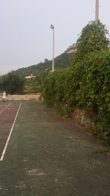 20160911182607Dubrovni-tenisko