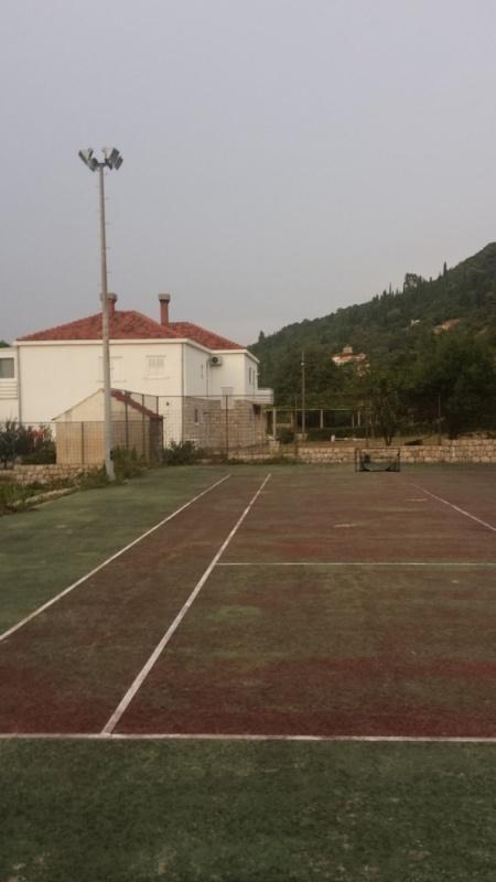 20160911182922Dubrovni-tenisko